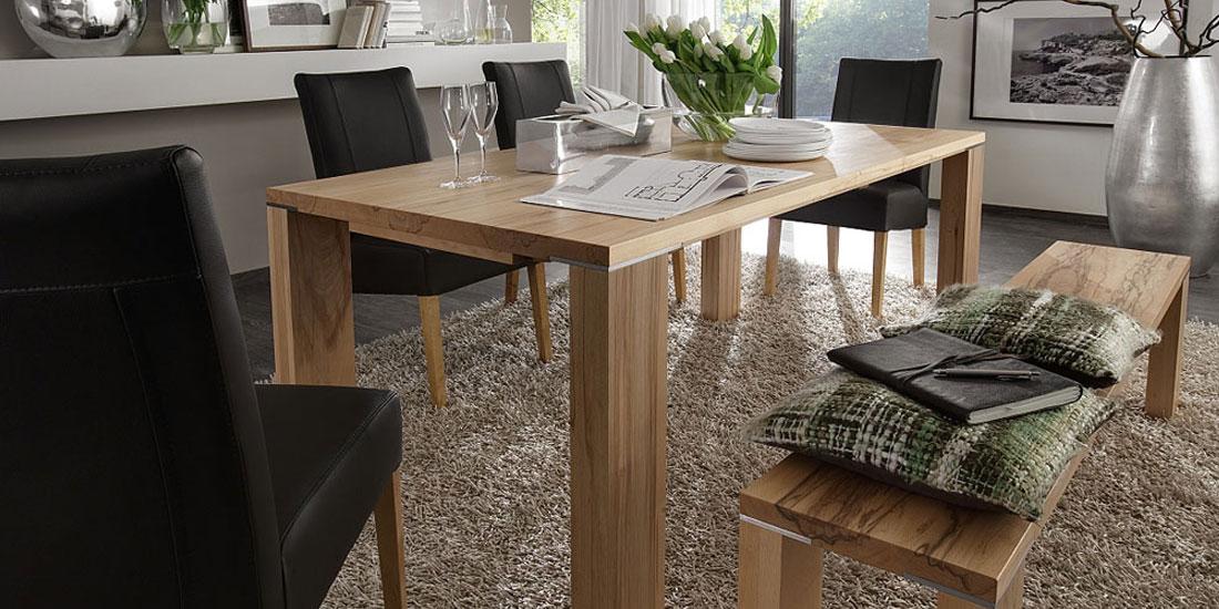 Masivní stoly